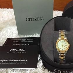 Đồng hồ thời trang nữ chính hãng  xách tay từ Mỹ.