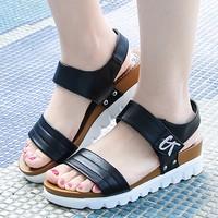 Giày sandal quai đeo đế bằng da GF52013257