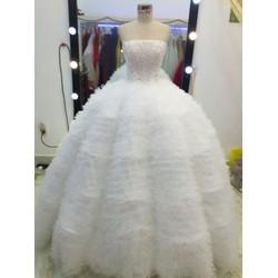 áo cưới tùng xù phồng có sẵn trắng đỏ