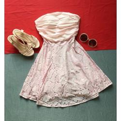 Đầm cúp ngực hồng