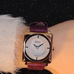 BH 1 năm-Đồng hồ mặt vuông G8811 phong cách thời trang dây da màu tím