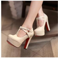 Giày cao gót bít mũi cá tính