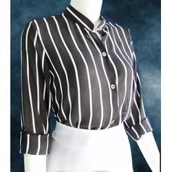 Áo somi cổ trụ sọc trắng đen, dài tay.