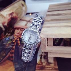 Đồng hồ nữ xinh xắn giá cực rẻ