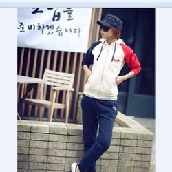 Bộ quần áo thể thao Hàn Quốc