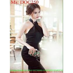 Đầm body đen cổ yếm chéo sành điệu và sang trọng DOC250