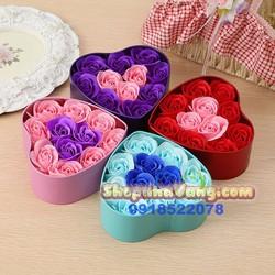 Hoa hồng sáp trái tim 11 bông NV51 Màu Xanh