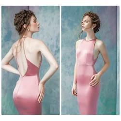 Đầm ôm thiết kế hở lưng