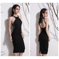 Đầm đen hở lưng cổ yếm thiết kế ôm body viền đá tinh tế
