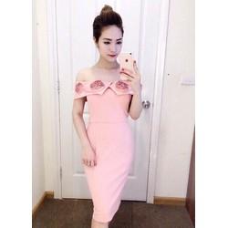 Đầm ôm bẹt vai hoa hồng xinh