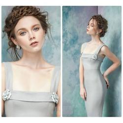 Đầm ôm hai dây thiết kế đính hoa