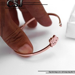 Vòng tay ti-tan con mèo kitty màu hồng đẹp giá rẻ nhất HCM