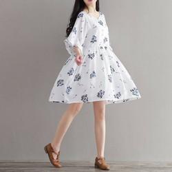 Đầm baby doll  nền trắng hoa xanh