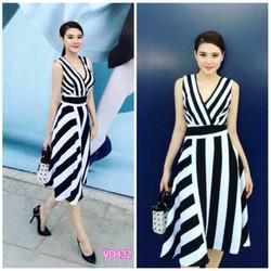 Đầm xòe cổ tim sọc trắng đen Bạch Nguyễn