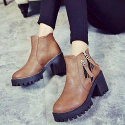 Giày Boot Nữ Màu Nâu Trang Trí 2 Khóa Kéo Đế Giày Kiểu Timberland