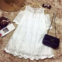 Đầm ren hoa hơ vai