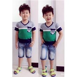 Bộ áo thun cổ tim quần jean phong cách Hàn Quốc size lớn