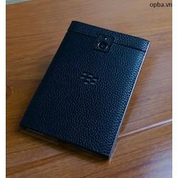 Dán da IONE Blackberry passport 100 da bò màu đen bảo hành 1 năm