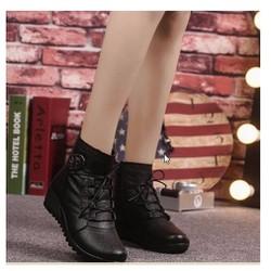 Giày boot nữ phong cách cá tính B060