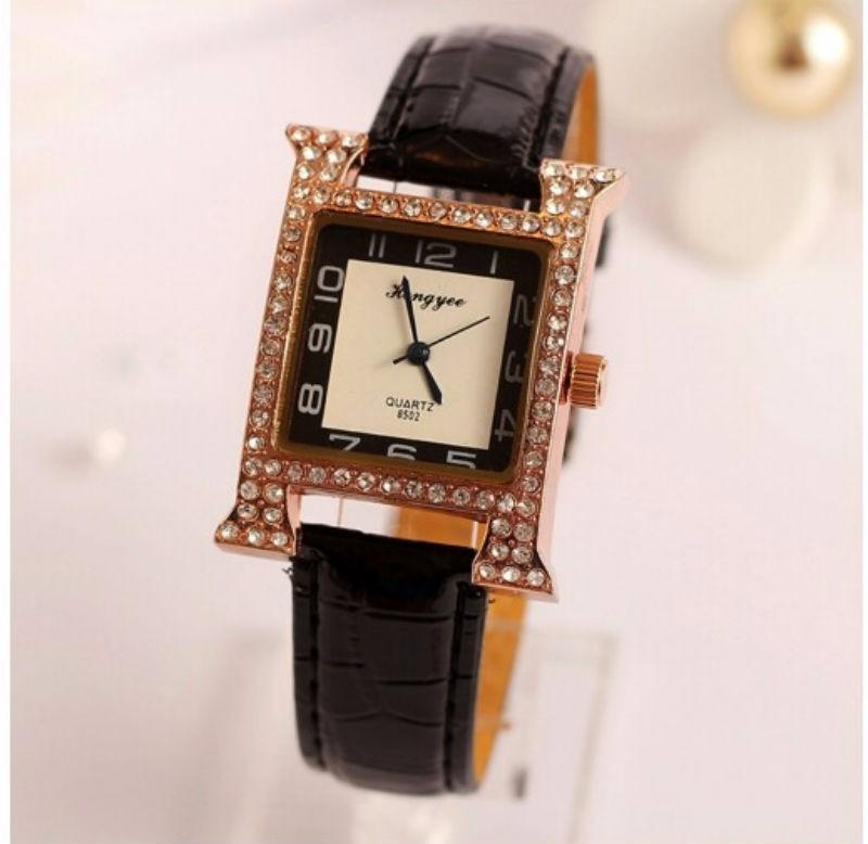 Đồng hồ dây da chính hãng 1