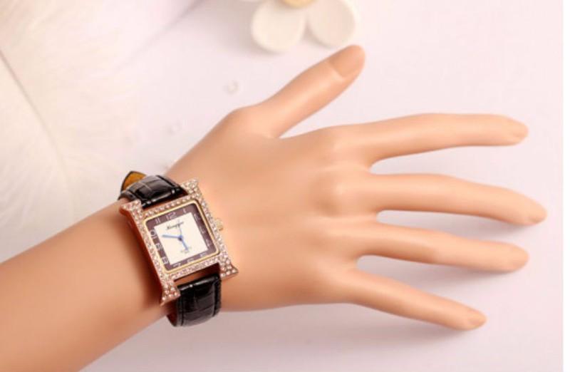 Đồng hồ dây da chính hãng 2