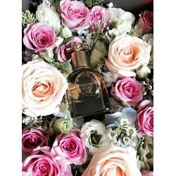 hộp hoa tươi làm quà tặng