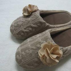 dép mang trong nhà len bít muĩ đính hoa