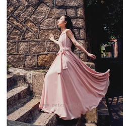 Đầm dạ hội hồng quyến rũ