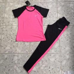 Bộ thẻ thao màu hồng