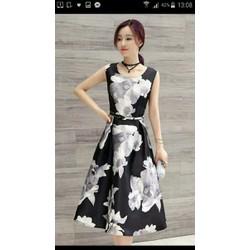 Đầm xòe hoạ tiết hoa trắng đen