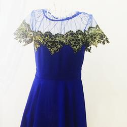 Đầm cổ lưới pha ren màu xanh