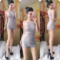 Jumpsuit short yếm khoét eo