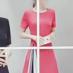 Đầm thun nữ thiết kế trẻ trung, phong cách cá tính.