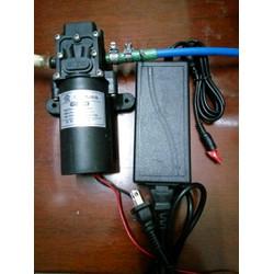 1 bơm mini 12V lắp sẵn adapter 220-12V rửa xe phun sương tăng áp