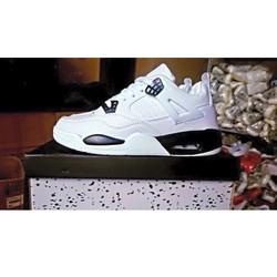 NJKE Jordan 4