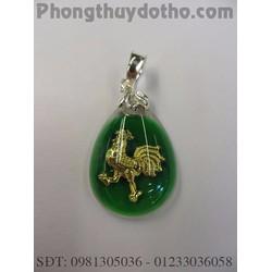 Mặt dây chuyền con giáp Dậu vàng giọt nước màu xanh 2,9x2cm