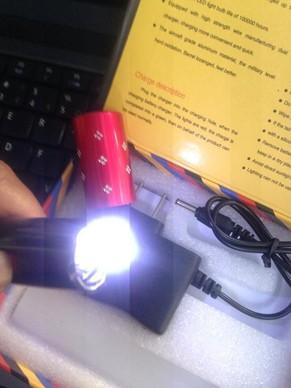 Đèn Pin Chích Điện Thỏi Son loại 1 cực mạnh 3