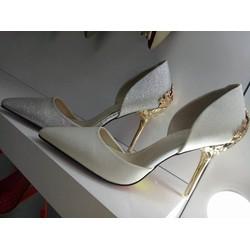 giày cao gót bít mũi sang trọng