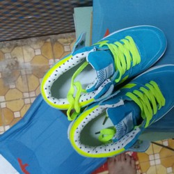 Giày thể thao phong cách Hàn Quốc