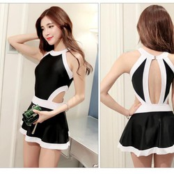 Váy bơi khoét eo xòe đen trắng