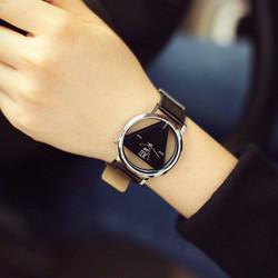 Đồng hồ tam giác thời trang
