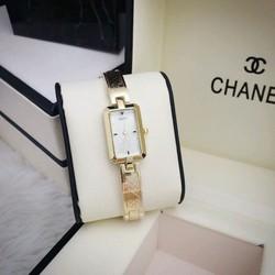Đồng hồ đeo tay thời trang