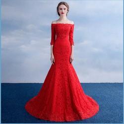Áo cưới đuôi cá, ren hết thân trễ vai tay dài, màu đỏ quyến rũ