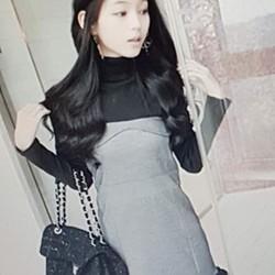 Đầm nữ thiết kế trẻ trung, phong cách cá tính.