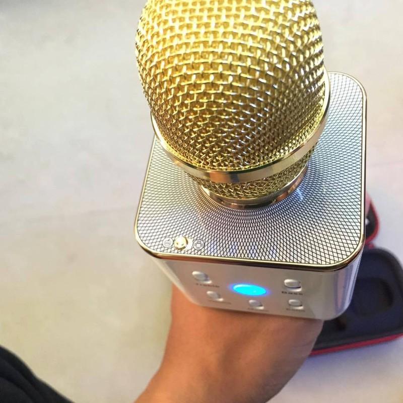 Micro Karaok Bluetooth Q7 Tặng Kèm Đèn Led USB 5