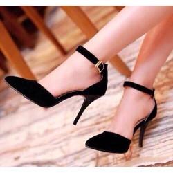 giày cao gót nhung đen sang trọng