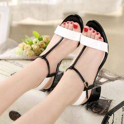 Giày gót vuông quai cài