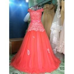 Váy cưới đỏ hồng