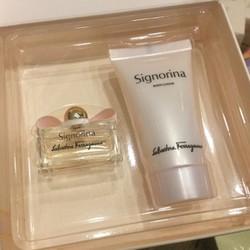 Giftset nước hoa nữ xách tay Signorina 5ml và lotion 30ml