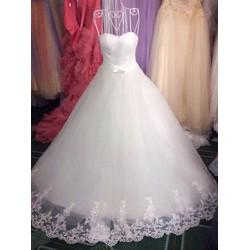 Váy cưới cúp ngực chữ A